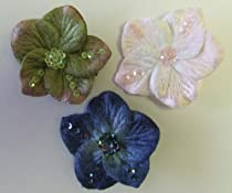 "Chloe Velvet Flower Hair Clip (1 1/4"" snap clip for infants & babies, Ivory)"