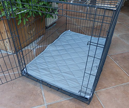 Deluxe tufted dog travel mat crate mat kennel mat cargo for Dog kennel liner