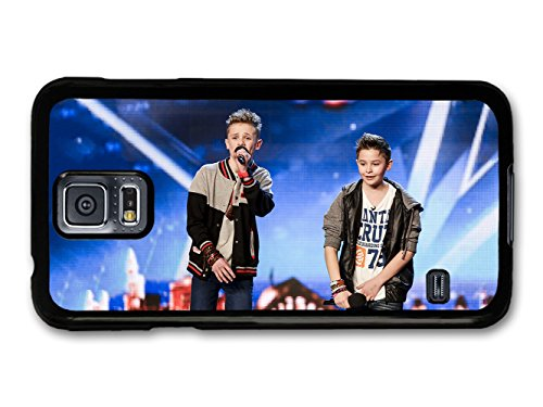 bars-and-melody-boyband-leondre-devries-charlie-lenehan-performing-live-custodia-per-samsung-galaxy-