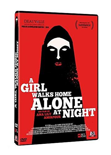 A girl walks home alone at night [Edizione: Francia]