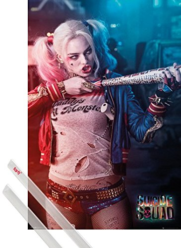 Poster + Sospensione : Suicide Squad Poster Stampa (91x61 cm) Harley Quinn E Coppia Di Barre Porta Poster Trasparente 1art1®