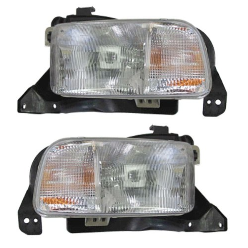 1999-2004 Chevrolet/Chevy Geo Tracker Headlamp Headlight Front Halogen Head Light Lamp Pair Set Left Driver And Right Passenger Side (1999 99 2000 00 2001 01 2002 02 2003 03 2004 04) (Chevy Tracker Wheels compare prices)