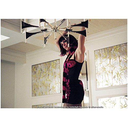 alias-8-inch-x-10-inch-photograph-jennifer-garner-in-black-short-dress-with-pink-print-fishnets-blac