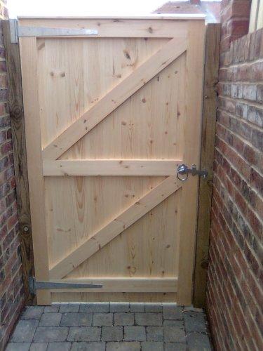 Garden Gate Wooden Side Gate Joiner Made (1800mm x 900mm Flat Top)