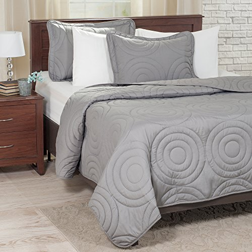 Lavish Home Solid Embossed 3 Piece Quilt Set - Full/Queen - Silver (Queen Size Comforters And Quilts compare prices)