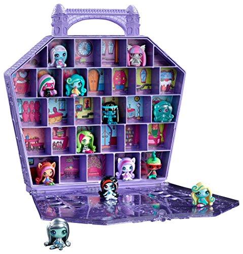 Monster high mini figures monster high dolls list for Muebles de monster high