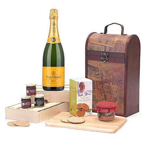 the-premium-clarendon-vintage-wooden-wine-chest-christmas-gift-hamper-with-750ml-veuve-clicquot-yell
