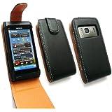 Emartbuy Nokia N8 Premium Pu-Leder Flip Case / Cover / Tasche Schwarz Mit Braunen + Schutzfolie
