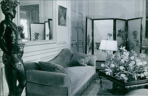 vintage-photo-of-a-view-of-pierre-balmains-living-room