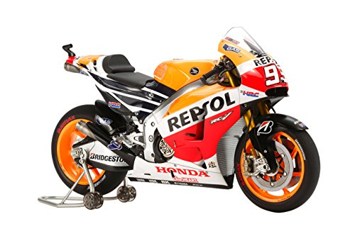 tamiya-model-kit-honda-repsol-rc213v14-motorbike-112-scale-14130