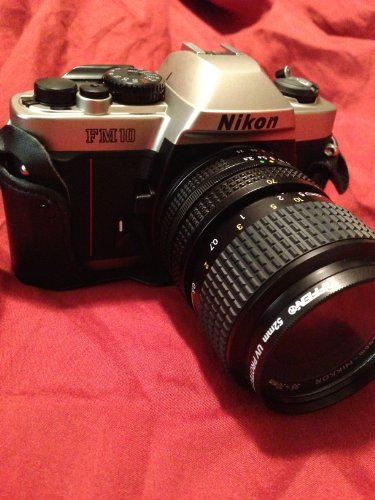Nikon discount duty free Nikon FM-10 35mm SLR Camera Kit with 35-70mm F3.5-4.8 Zoom Lens & Camera Case