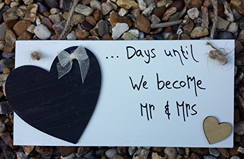 handmade-mr-mrs-wedding-countdown-plaque-golden-heart-sign-chalkboard-engagement-gift-by-madeat94