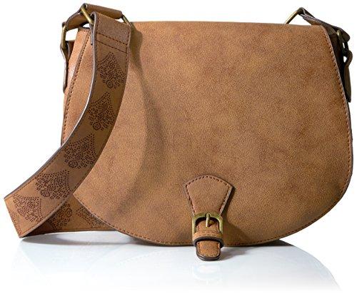 t-shirt-jeans-saddle-bag-with-perf-strap-cognac