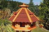 Wunderschönes sechseckiges Vogelhaus