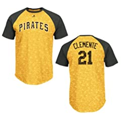 Pittsburgh Pirates Roberto Clemente Cooperstown Retro Show Raglan T-Shirt by VF