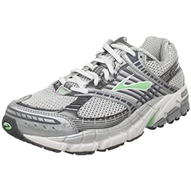 s ariel running shoe green ash pavement