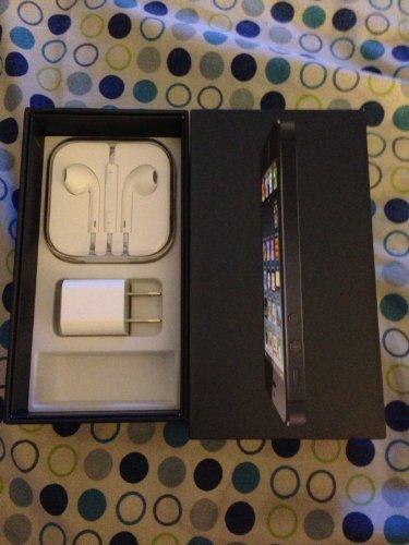 Apple iPhone 5 16GB 4G LTE GSM Black - T-Mobile