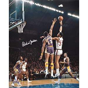 Kareem Abdul Jabbar Milwaukee Bucks vs Los Angeles Lakers Photograph by Mounted Memories