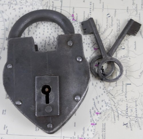 Antique Reproduction Heart Padlock with 2 Skeleton Keys (786295159028