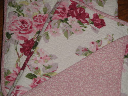 com: Laura Ashley Lidia Cotton Quilt Set, Full/Queen: Home & Kitchen: http://shortnewsposter.com/tag/quilt-is-nice