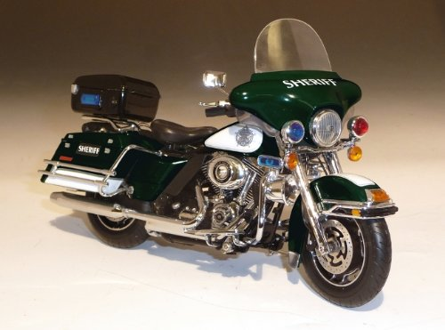 HarleyDavidson FLHTP Electra Glide in Green/White Sherriff Diecast Motorcycle in 1:12 Scale by Highway 61