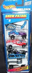 Hot Wheels Snow Patrol 5 Car Gift Pack