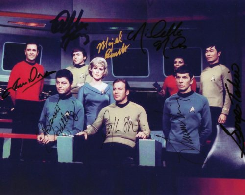 Star Trek Cast Signed Autographed 8 X 10 RP Photo - Mint Condition карандаши