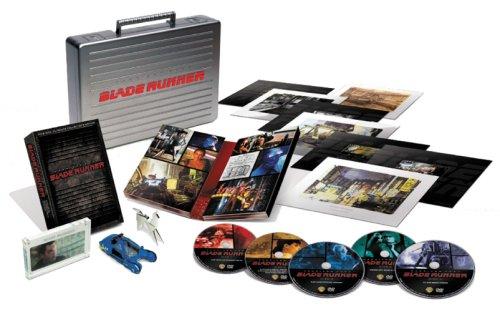 【10,000セット限定生産】『ブレードランナー』製作25周年記念 アルティメット・コレクターズ・エディション・プレミアム(5枚組み) [DVD]