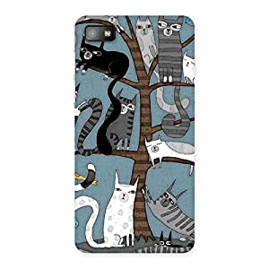 Cat On Trees Print Back Case Cover for Blackberry Z10