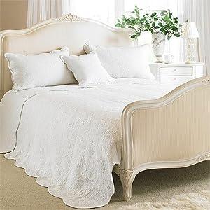 tagesdecke toulon baumwolle gesteppt blumenmuster wei 265x195cm k che haushalt. Black Bedroom Furniture Sets. Home Design Ideas
