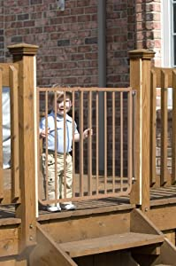 Amazon Com Cardinal Gates Outdoor Child Safety Gate