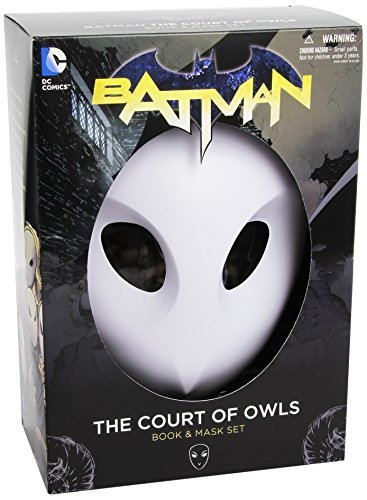 Batman: The Court of Owls Mask and Book Set (The New 52) (Batman: the New 52) by Snyder, Scott (2013) Paperback