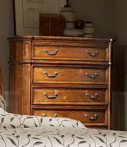Chest Of Lynette Collection By Homelegance front-1080734