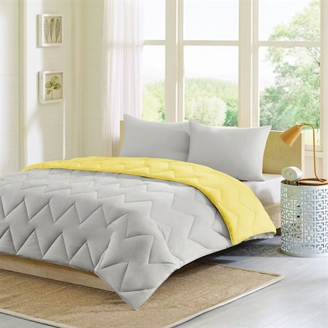 Intelligent Design Trixie Reversible Down Alternative Comforter Mini Set, Grey/Yellow, Twin/Twin X-Large