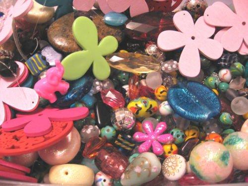 assorted-bead-mix-lampwork-crystal-jewellery-czech-glass-lucite-acrylic-wood-metal-shell-foam-vintag
