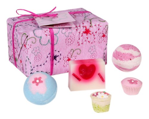 bomb-cosmetics-pretty-in-pink-gift-pack