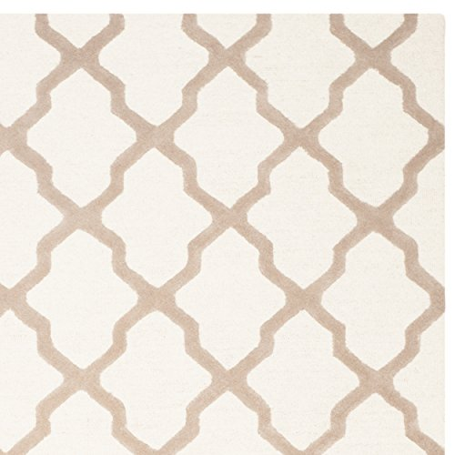 Safavieh Cambridge Collection CAM121P Handmade Ivory and Beige Wool Area Rug, 7 feet 6 inches by 9 feet 6 inches (7'6