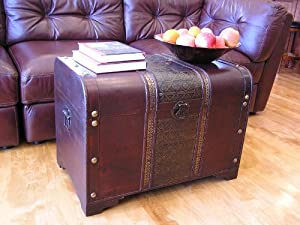 Old Fashioned Wood Storage Trunk Wooden Treasure Chest