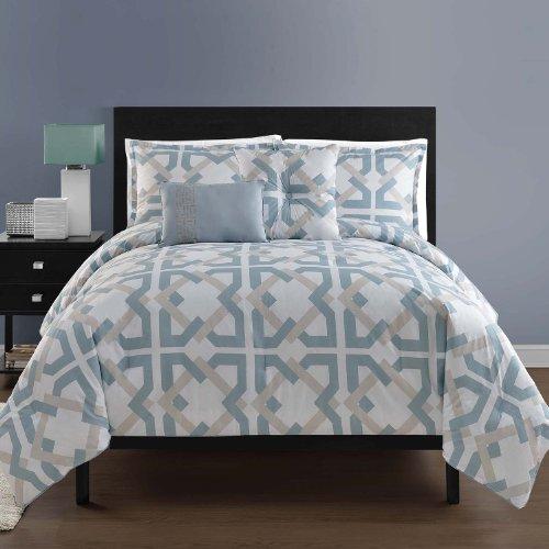 Victoria Classics Bedding front-1023700