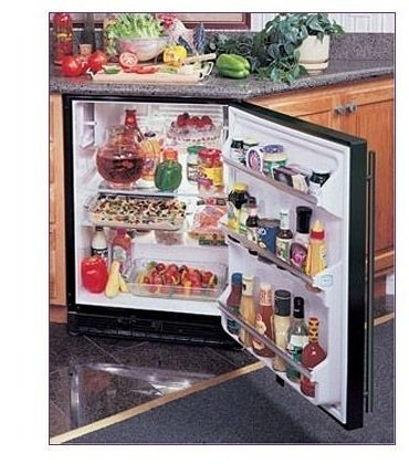Marvel Compact Refrigerator front-622828