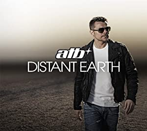 Distant Earth (Limitierte,signierte 3CD-Deluxe Fanbox inkl. Bonus-CD, Armband, Sticker + Karten)