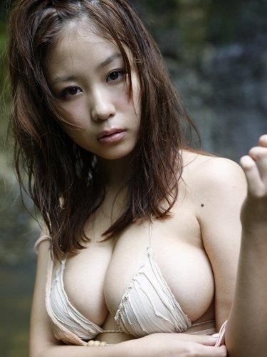 西田麻衣最新写真集 『 めまい 』