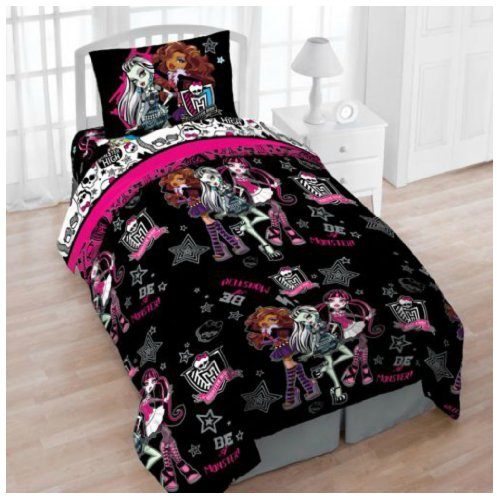 Mattel Monster High Creep Cool 4Pc Twin Bedding Set With Tote - Reversible Comforter, Sheets, Pillowcase