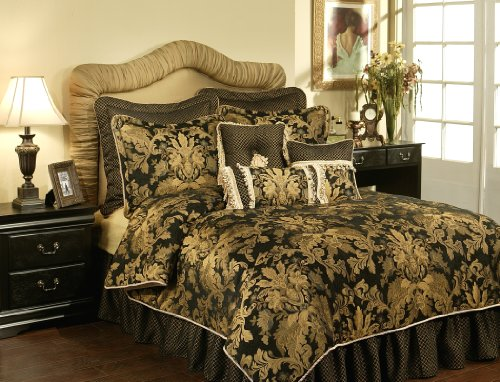 Austin Horn Classics 4-Piece Lismore Bedding Collection, Californian King, Black