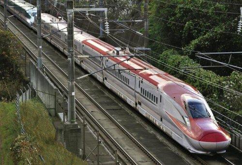 300ピース E6系量産先行車(新型高速新幹線車両) 26-248 / エポック社