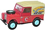 Oxford chipperfields circus land rover 88 in red and yellow 1.76 railway scale diecast model