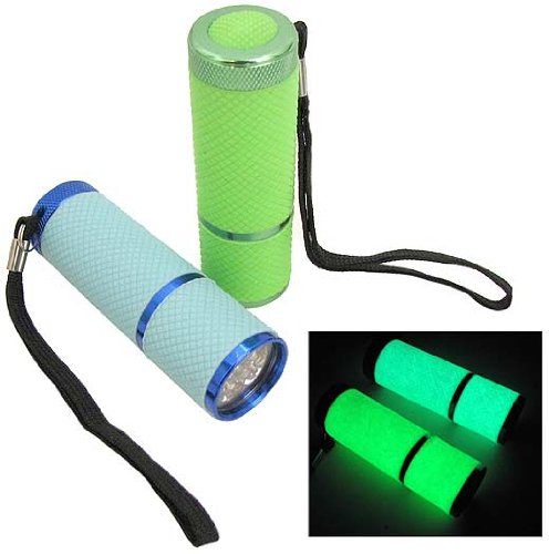 Glow in the dark, water resistant emergency flashlight {Mom with a Prep}