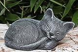 Steinfigur Katze schlafend klein Steinguss Schiefergrau