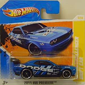 hot wheels dodge challenger voiture drift en bleu jeux et jouets. Black Bedroom Furniture Sets. Home Design Ideas