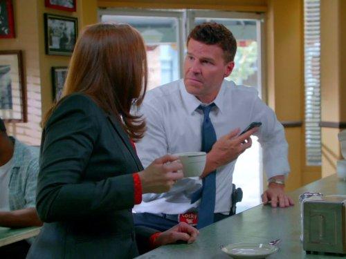 Bones: Season 9 Sneak Peek (Bones Season 8 compare prices)